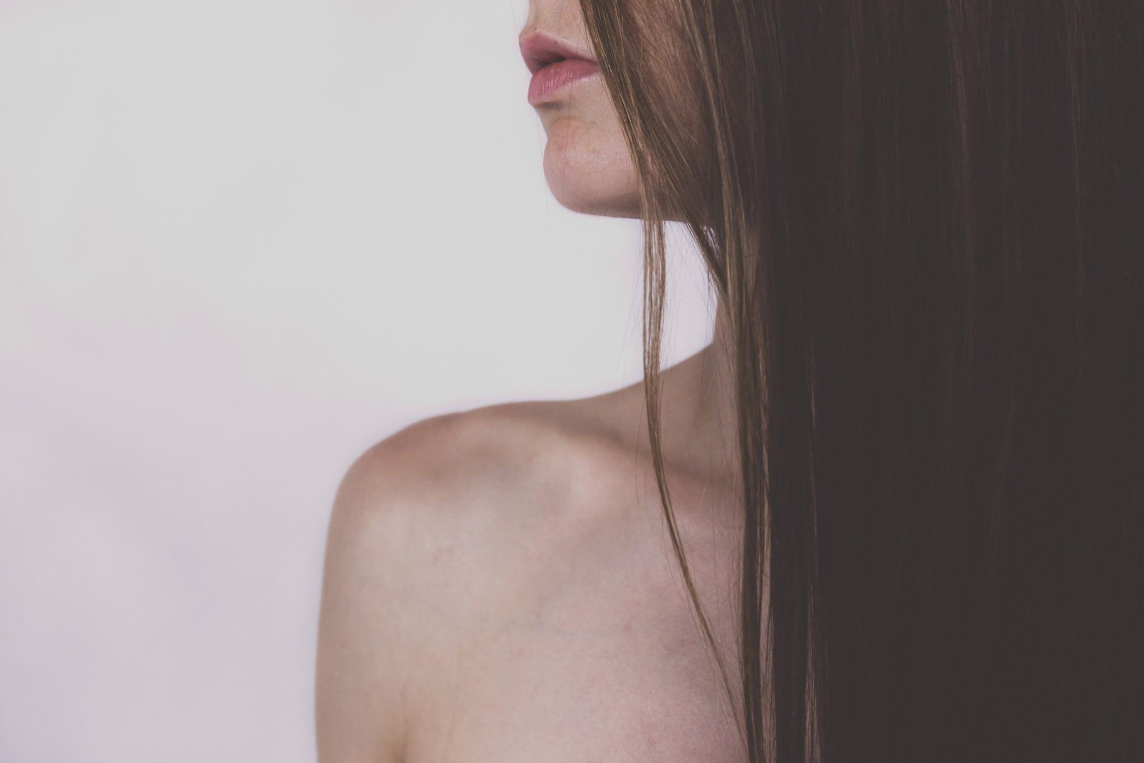 Les 5 bonnes astuces à adopter pour les cheveux gras - Madame La Présidente, Complément capillaire pour les cheveux, complément capillaire, Résolution N°1, Résolution N°2, thé détox, thé détox naturel, complément alimentaire cheveux, made in France, produit made in France